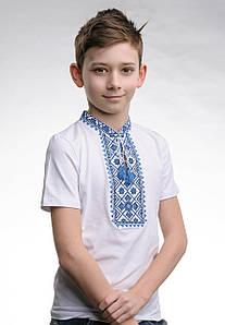 Белая футболка для мальчика с вышивкой на груди «Звездное сияние (синяя вышивка)»