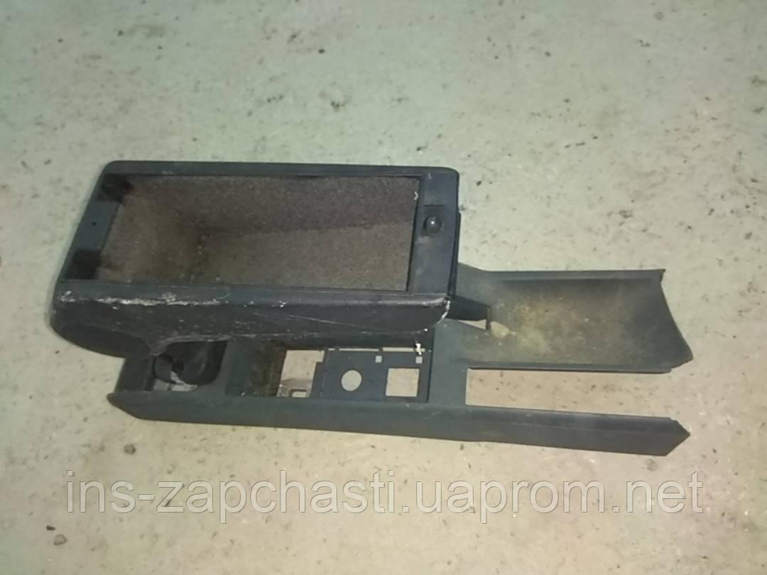 Підлокітник Бардачок Борода Audi A4 B5 8D0863244H