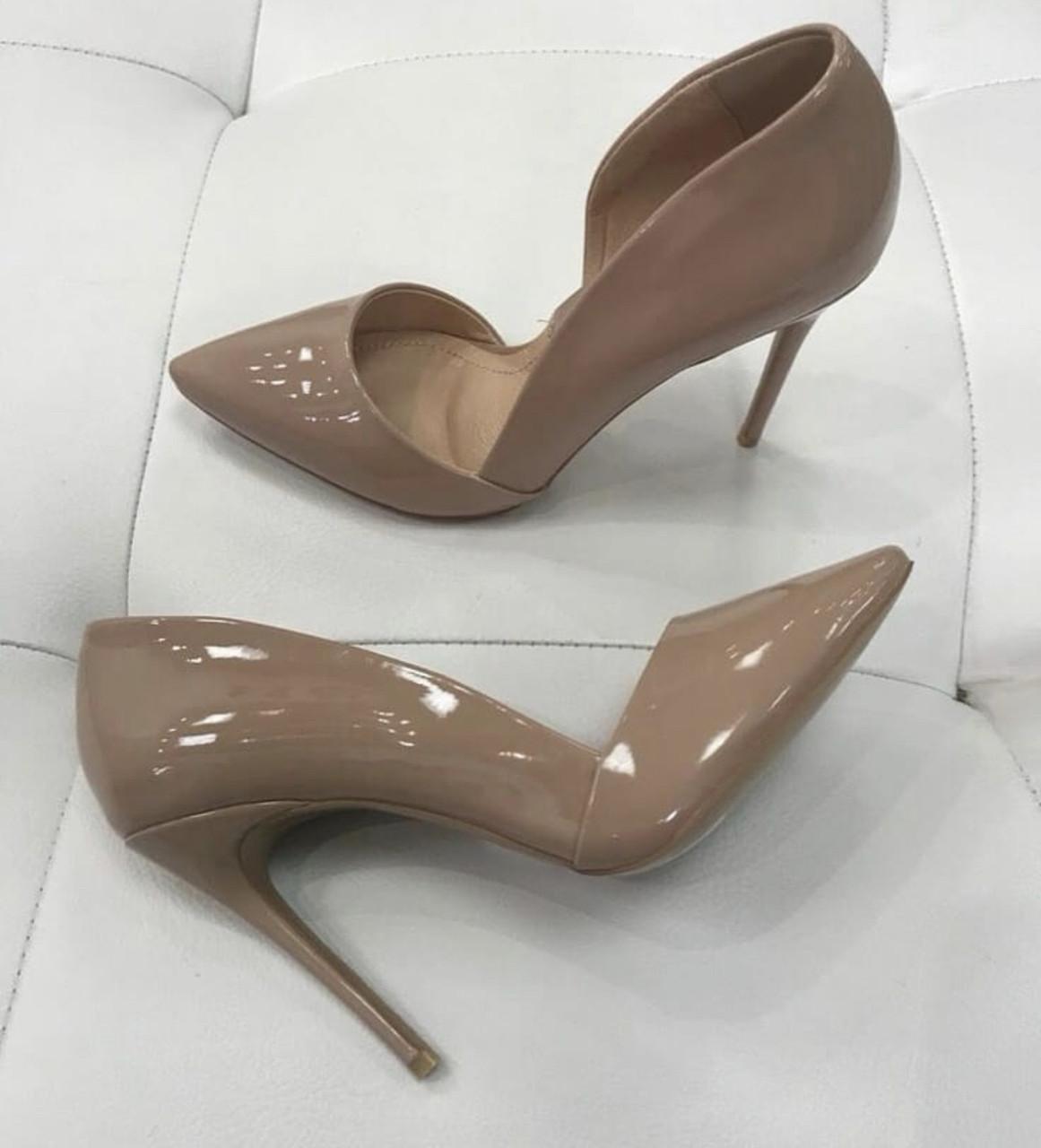 Жіночі бежеві туфлі шкіряні