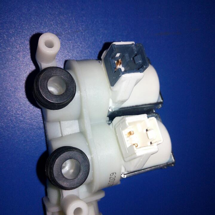 Клапан впускной 2/90 Indesit Ariston под фишку