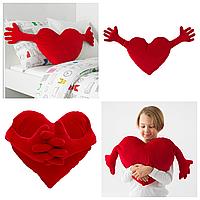 Декоративная подушка в форме сердца 40x101 см IKEA FAMNIG HJÄRTA плюшевая мягкая красная ФАМНІГ ЄРТА ИКЕА