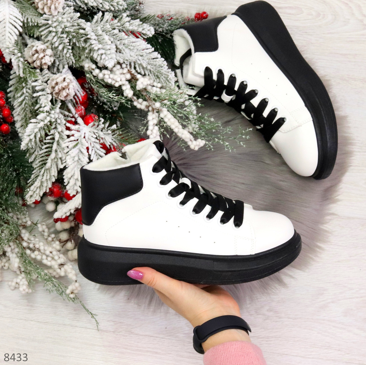 Модные высокие черно - белые женские кроссовки кеды криперы по доступной цене