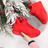 Яркие высокие замшевые красные женские кроссовки на молнии, фото 10