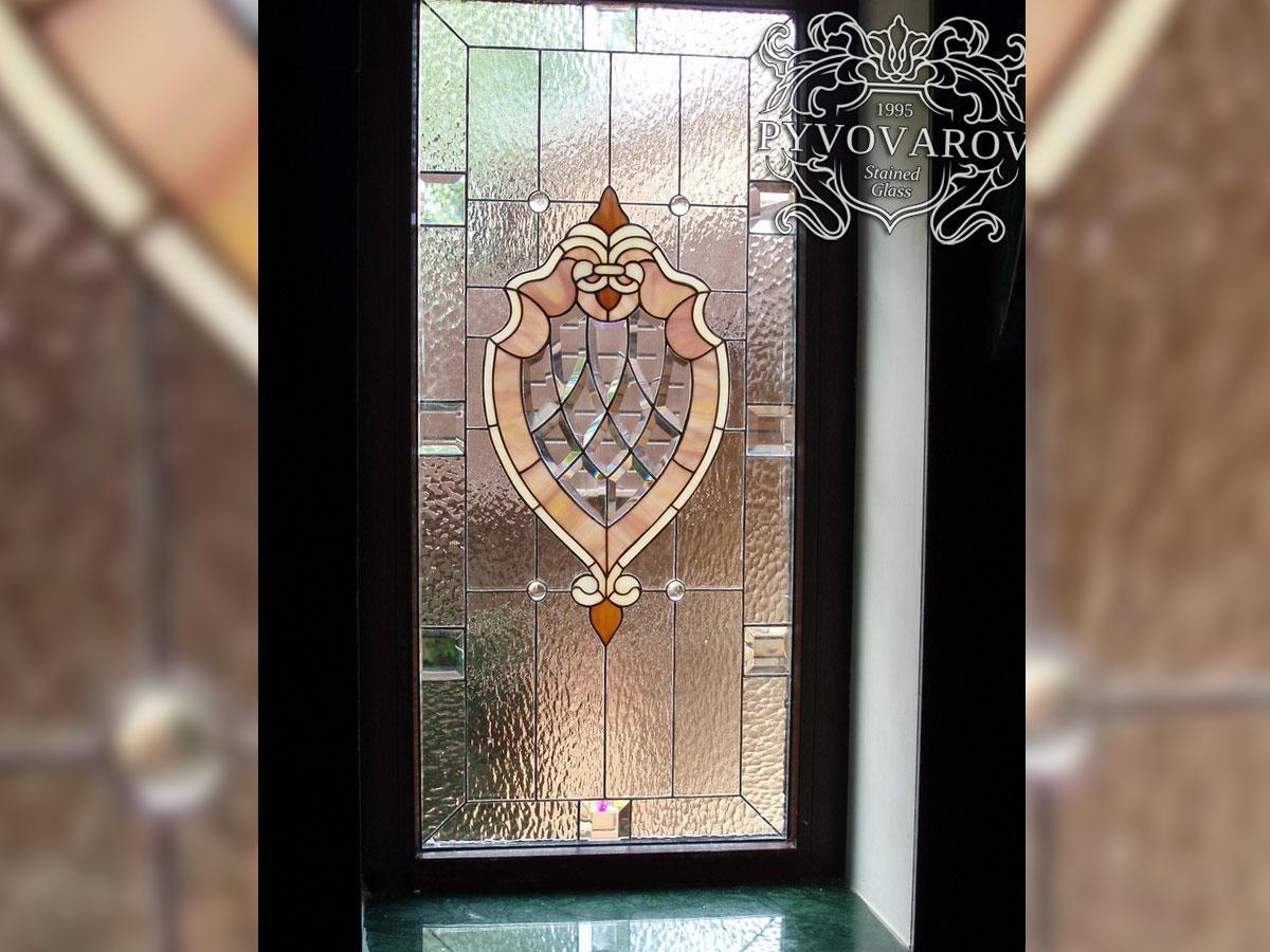 Витражные окна из прозрачного стекла и фацетов