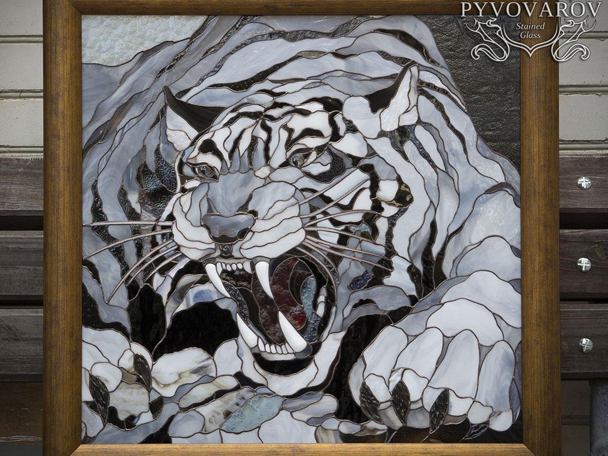 Картина из цветного стекла оскал белого тигра