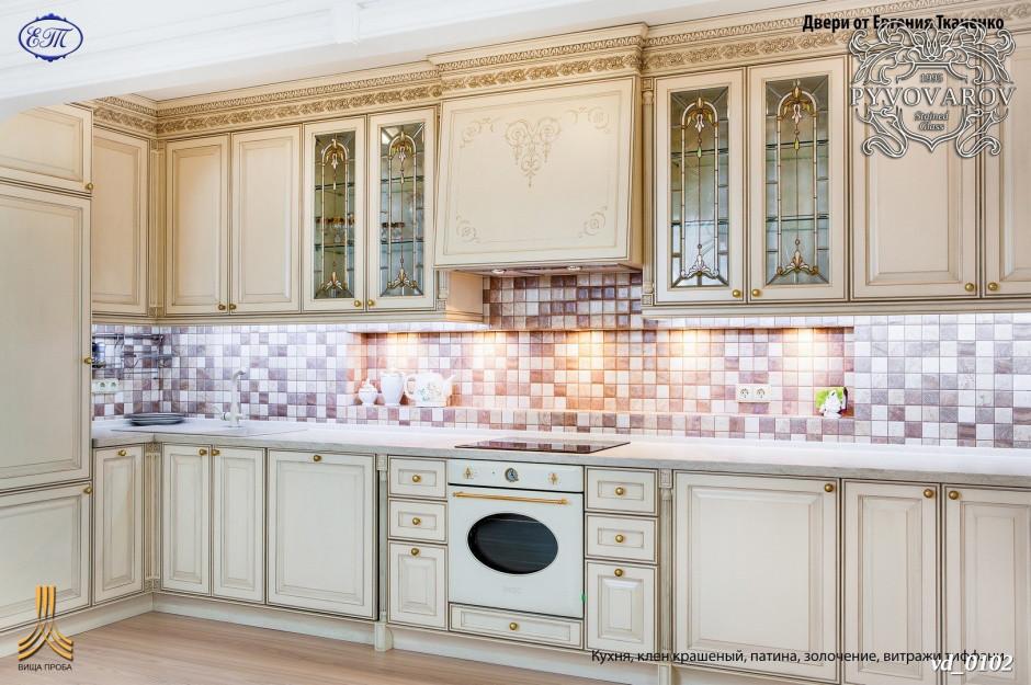Витражи для кухни в классическом стиле