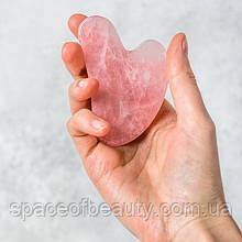 "Скребок Гуаша ""Сердце"" из натурального розового кварца"