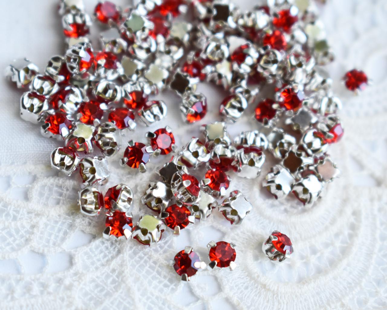 Стразы пришивные 4 мм красные, стекло,10 шт