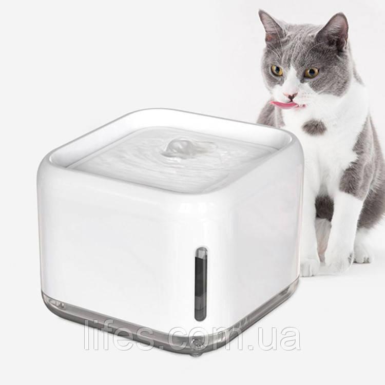 Поилка - фонтан для кошек и собак Wandai  PS-67  2,5л Белая