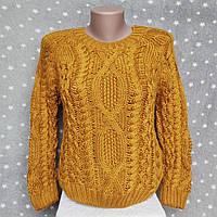 Укороченный свитер с узорами - в горчичном цвете