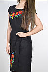 Модное женское платье в черном цвете с коротким рукавом декорировано вышивкой , фото 2