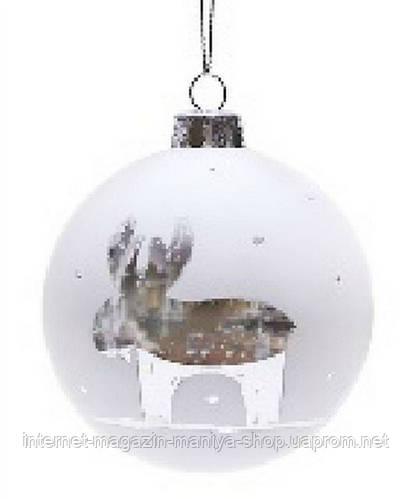 Елочный шар 8см белый с рисунком Олень