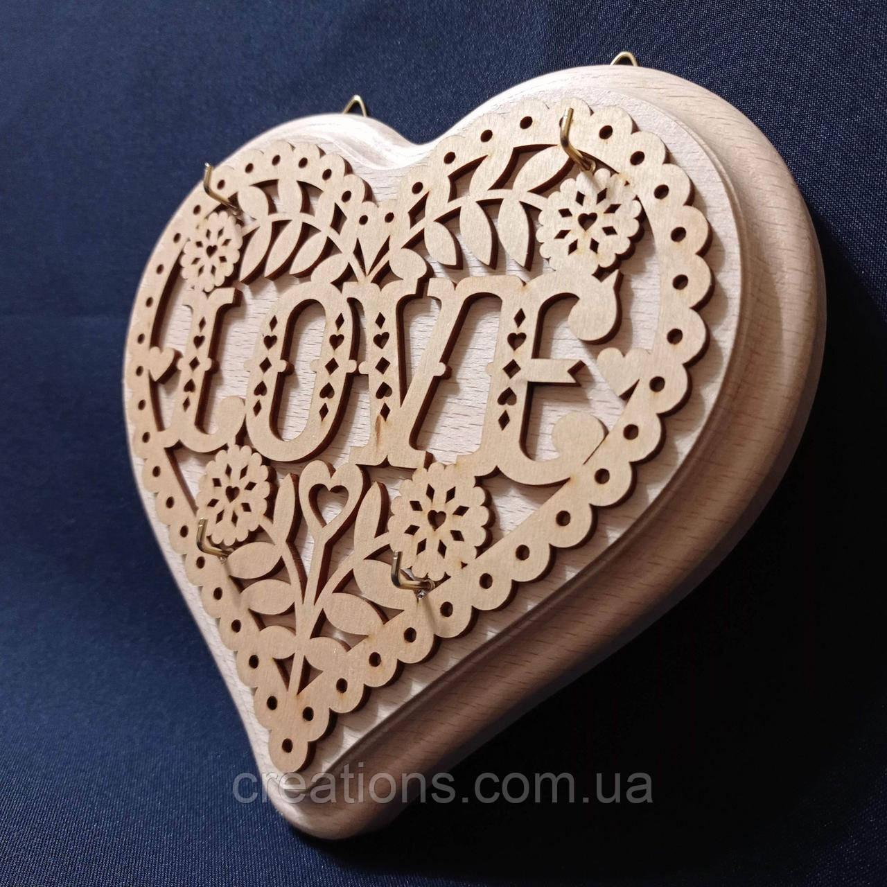 """Ключница """"Love"""" 18х19 см. из дерева декоративная"""