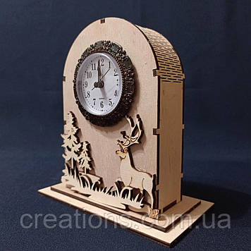 Деревянные декоративные часы 18х17 см. настольные, светлые