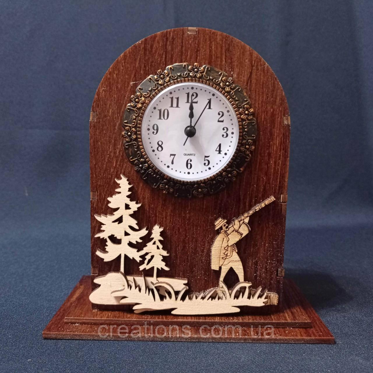 Деревянные декоративные часы 18х17 см. настольные