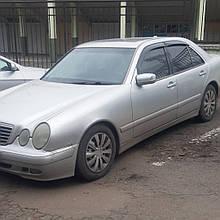 Дефлекторы окон (ветровики) клеющие / накладные Д/о Mercedes E-klasse 210 1995-2002 Sedan 4шт 4шт (ANV-AIR)