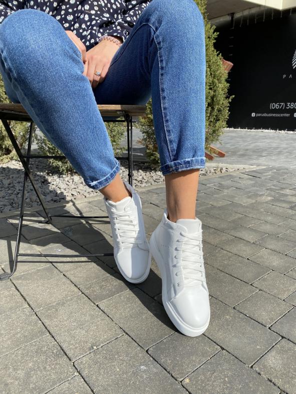 Женские ботинки кожаные зимние белые Yuves