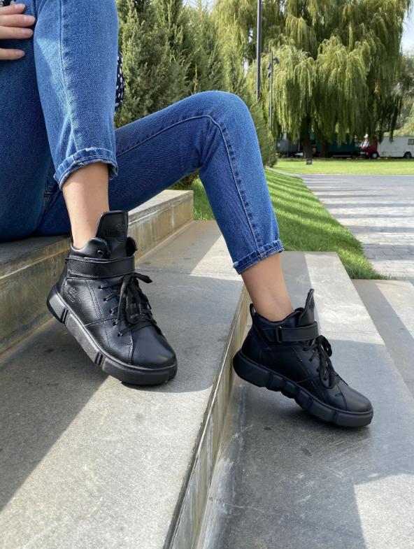 Женские ботинки зимние черные Road-style кожа