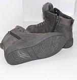 Демисезонные женские замшевые ботинки серого цвета, фото 6