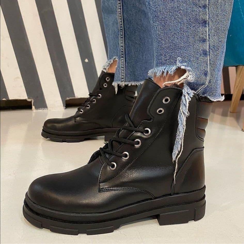 Стильные женские ботиночки  SHANS на шнуровке