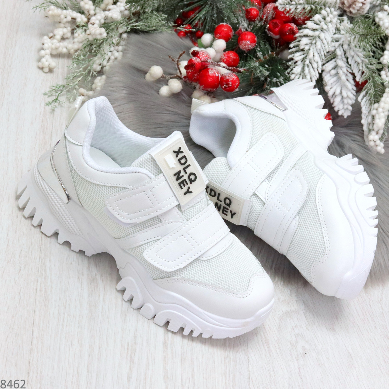Трендовые текстильные миксовые белые женские кроссовки на липучках