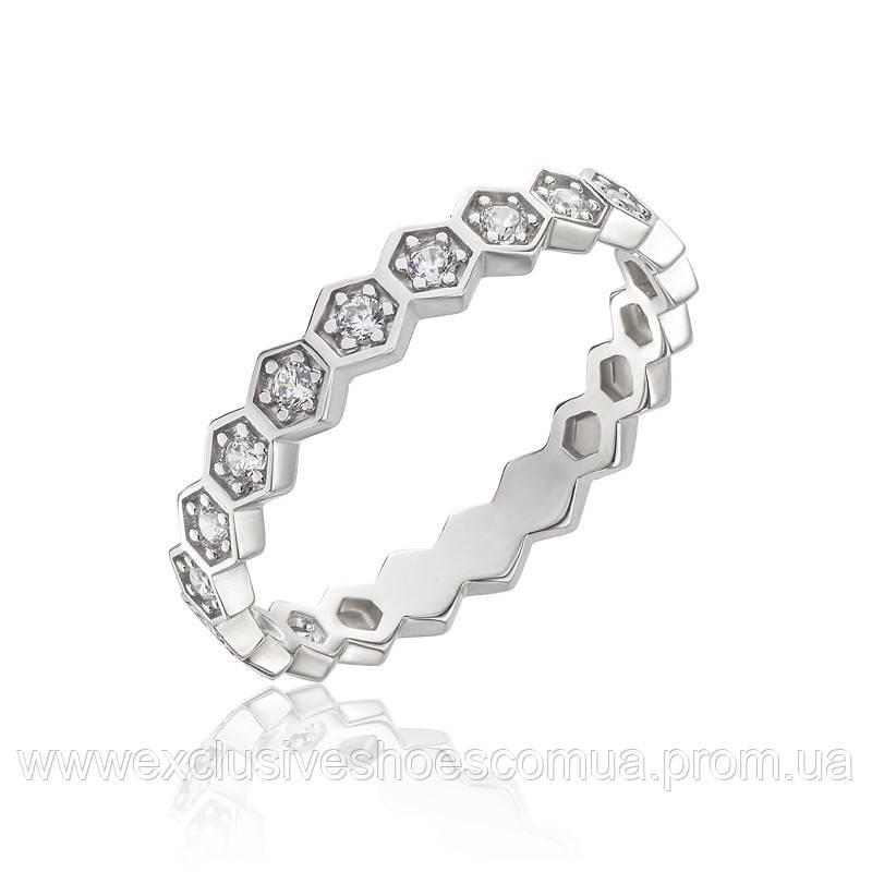 Серебряное кольцо украшенное камнями