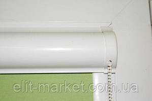 Рулонная штора закрытого типа белая