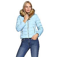Короткая куртка женская голубая на молнии с капюшоном, искусственным мехом. Наличие размеров смотрите в