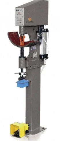 Пневматический станок для клепки / расклепки тормозных накладок грузовых автомобилей RP18