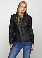 Весенне-осенняя женская куртка приталенного кроя черного цвета. Наличие размеров смотрите в описании.