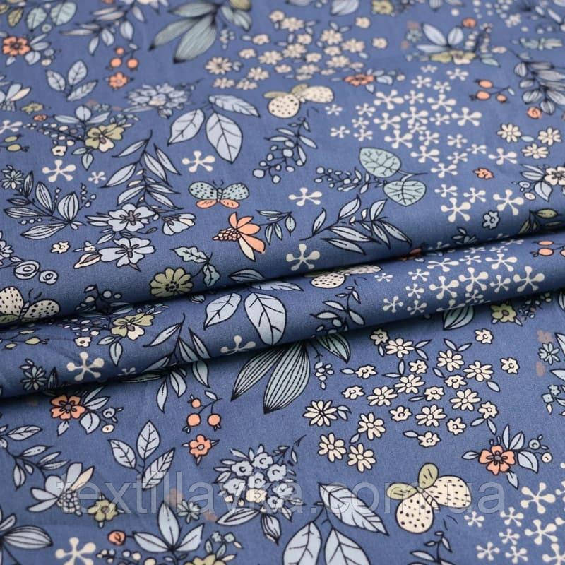 Ткань хлопок мелкие цветочки и листики на джинсовом фоне