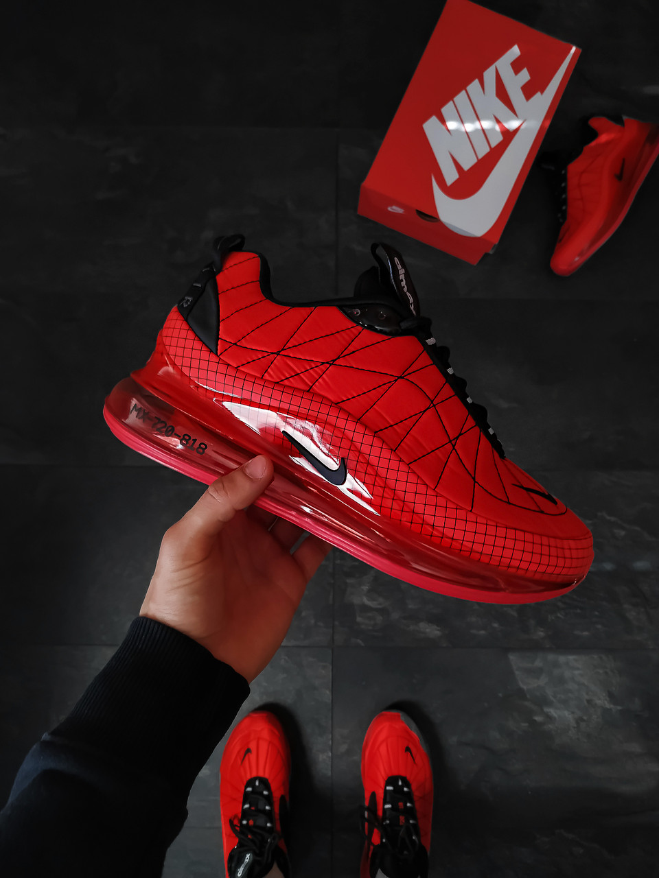 Мужские кроссовки Nike Air MaX 720 - 818 Красные