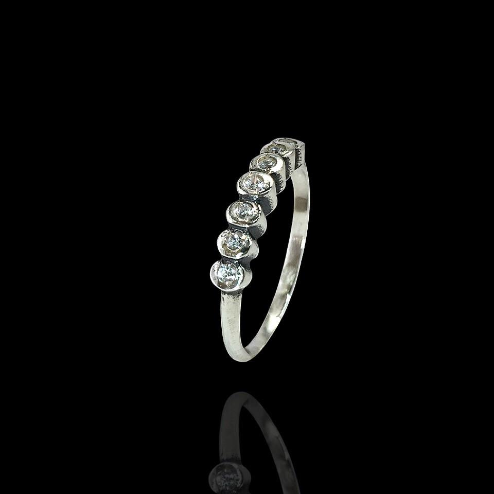 Серебряное кольцо Селенит