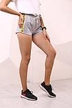Шорты женcкие серые Off White с жёлто-чёрными лампасами, фото 3