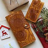 Кошелек кожаный женский Дюна, Перо красный, Подсолнух желтый, Солнце, Птицы, Цветы, восточный узор петриковка, фото 3