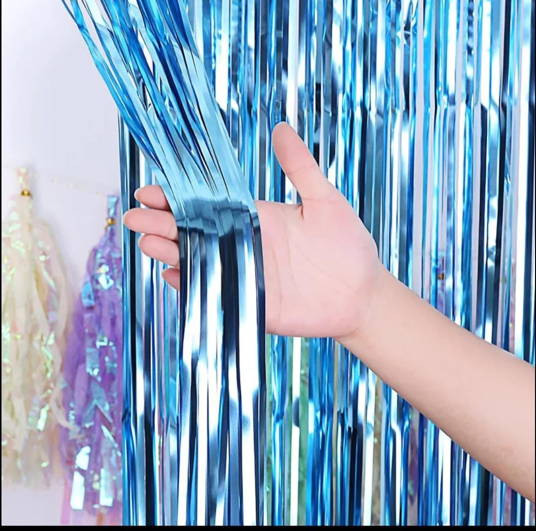 Фольгована штора для фотозоны блакитна 1м х 2м