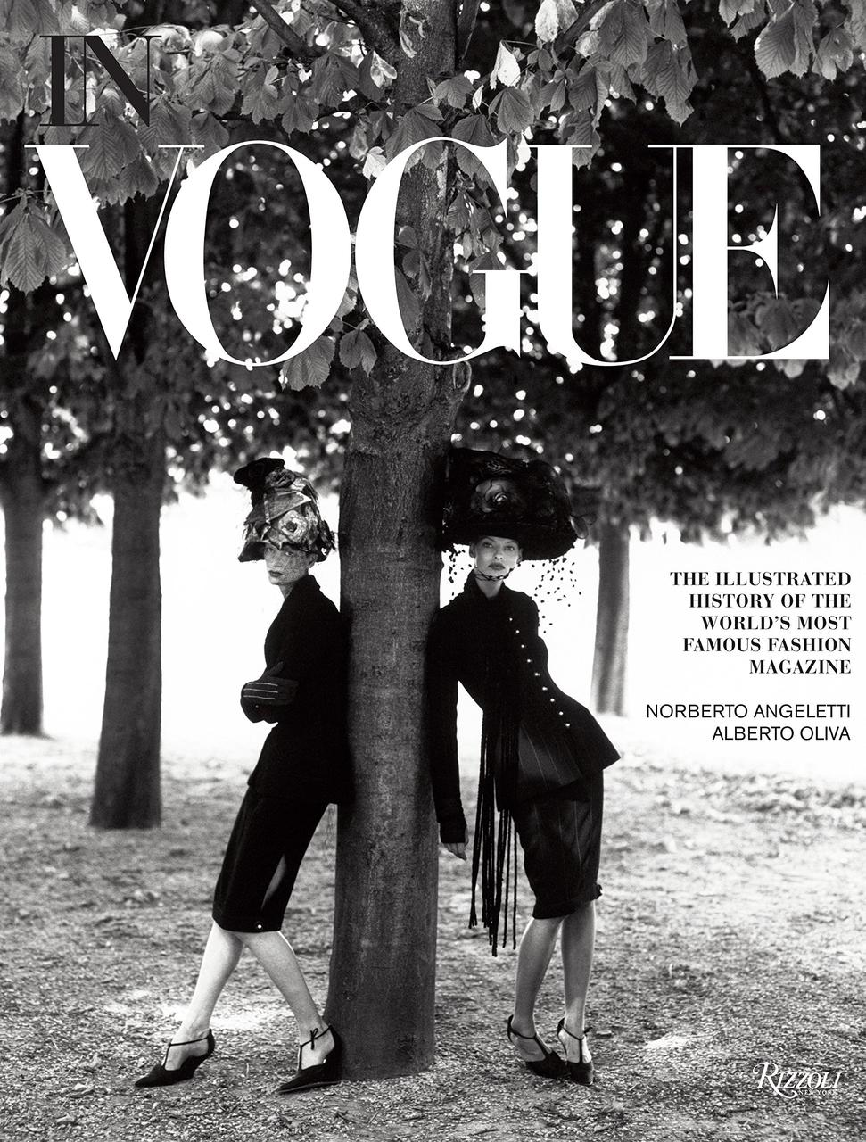 Книга   In Vogue : An Illustrated History of the World's Most Famous Fashion Magazine.