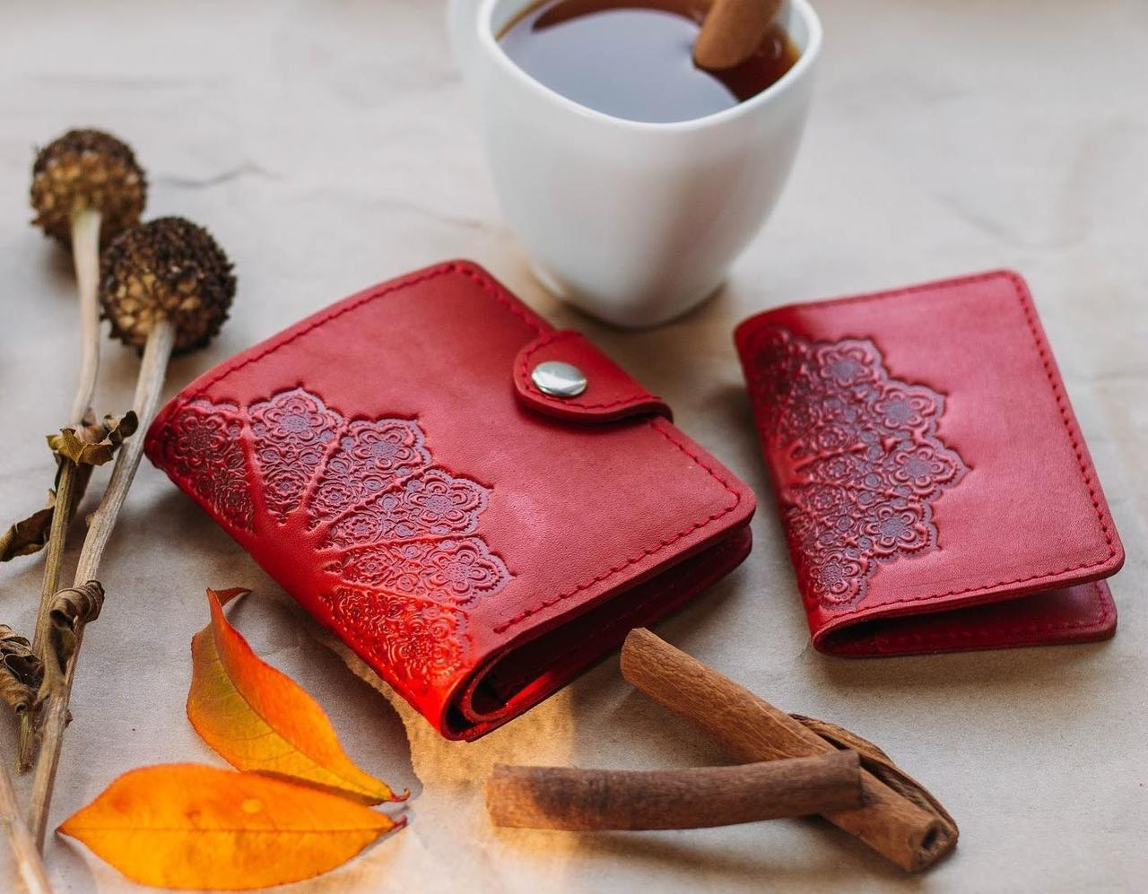 Маленький кожаный кошелек женский Солнце красный, Восточный узор, Цветы Подсолнух Петриковка Птицы Коты