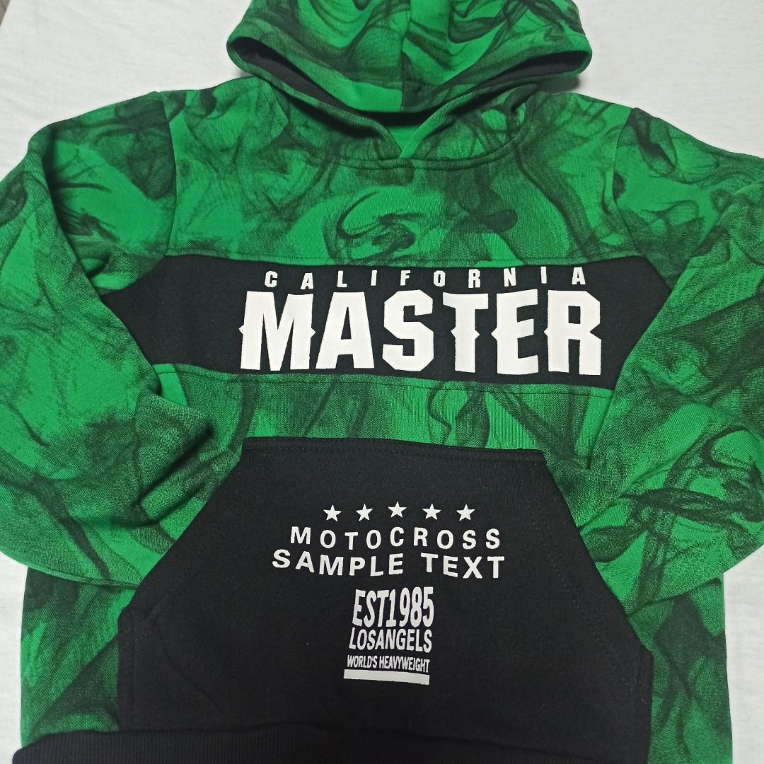 Толстовка модная нарядная красивая теплая стильная зелёного цвета с капюшоном и карманом - кенгуру.