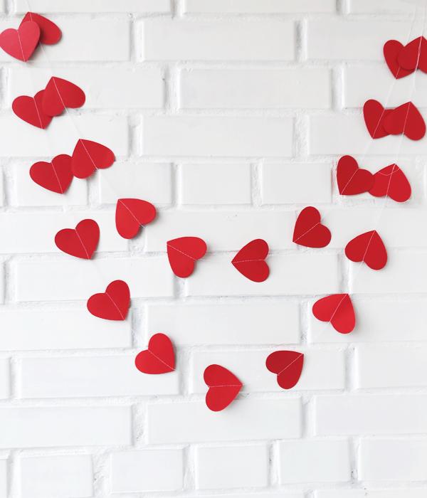 Гирлянда из сердечек красная (3 метра)