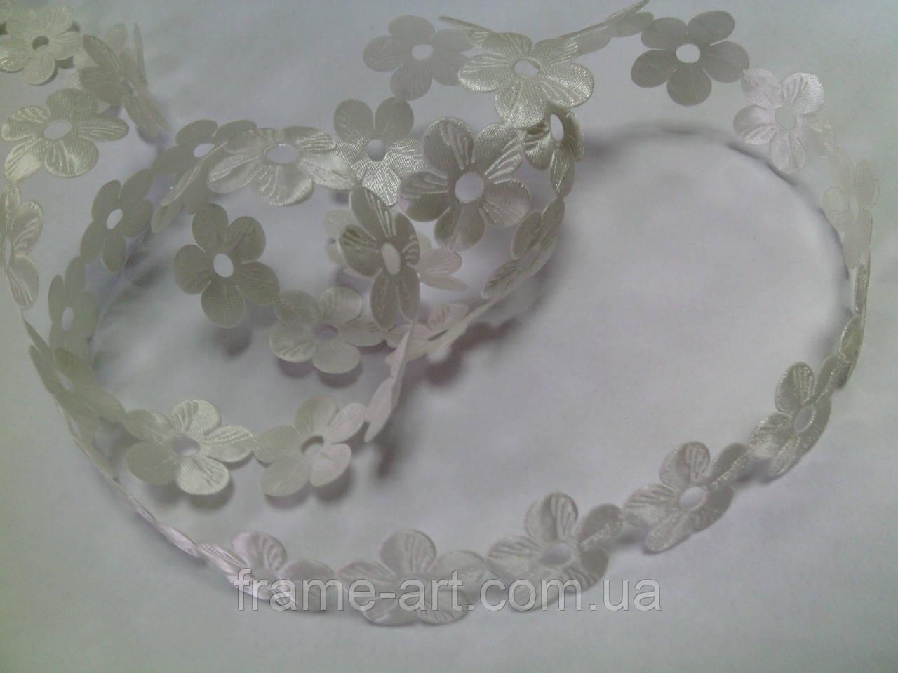 Атласный декор на катушке Цветок 20 мм