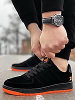 Мужские замшевые кроссовки Air Force черные с оранжевой подошвой Аир форс