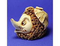 Фигурка ручной рабты, гипс n01001-02 Ежик с листиком