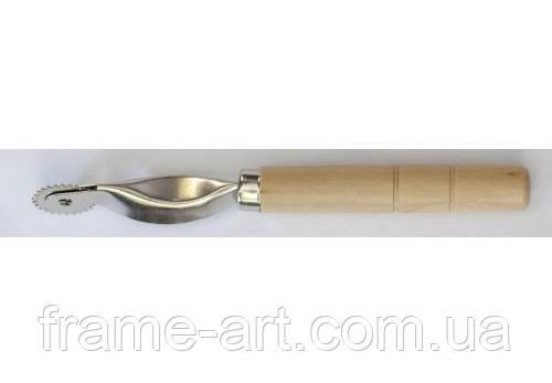 Раскройник с деревянной ручкой ТВД