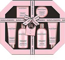 Подарочный набор косметики для ванной Baylis & Harding Jojoba, Vanilla & Almond Oil Ultimate Bathing Giftset