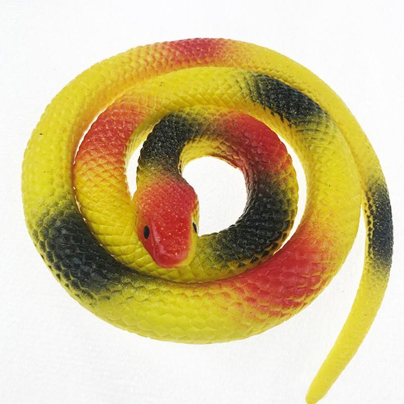 Резиновая змея 70см желтая