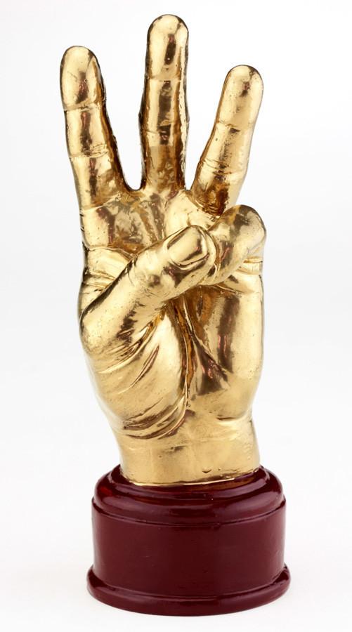 Кубок ET золотой Рука Тризуб (KR94)