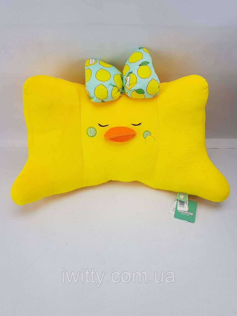 Жёлтая подушка Уточка