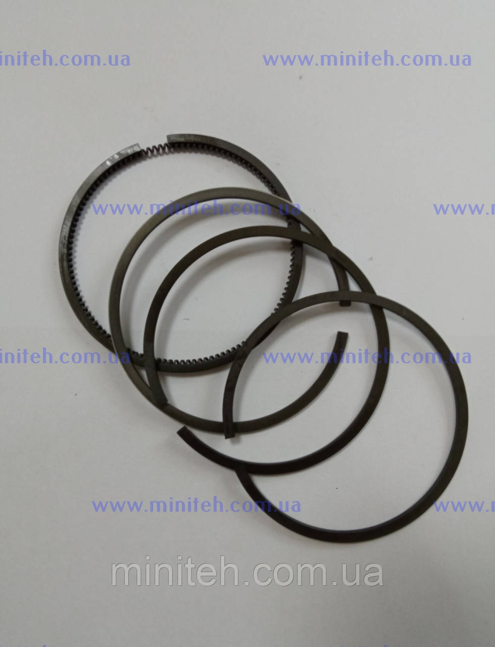 Кольца поршневые дв R-180 рем. (+0,25 мм)