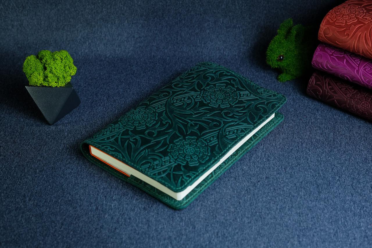 """Обложка с пеналом для ежедневника формата А5 """"Модель №16"""", Винтажная кожа, цвет Зеленый, Оттиск №3"""